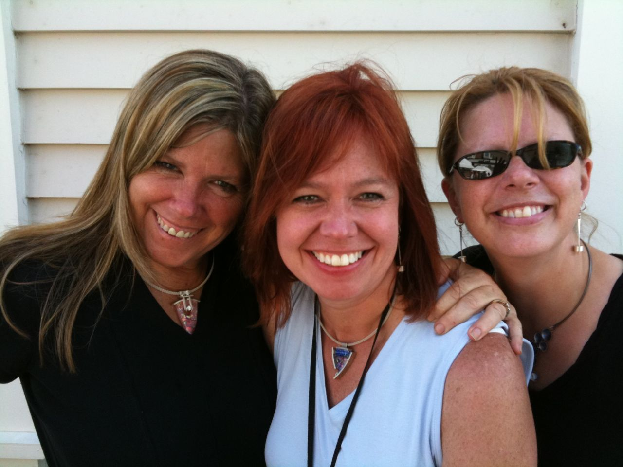 Anita, Karyn and Wendy show off VetroCaldo jewelry